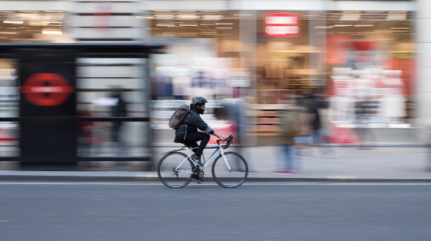 How has COVID impacted cycling retailers in the UK?